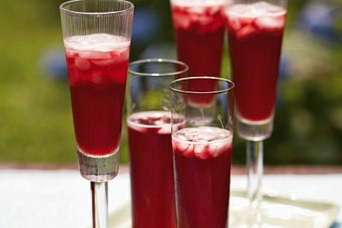 Ginger Pomegranate Champagne Cocktail