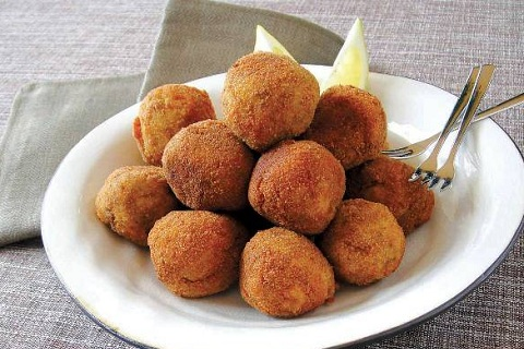Mashed Potato and Ground Beef Croquettes