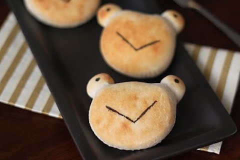Biscuit Frogs