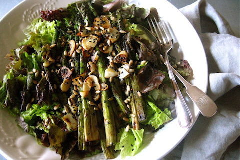 Asparagus Salad With Roasted Garlic and Sesame Seeds