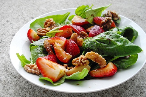 Spinach, Arugula and Strawberry Salad