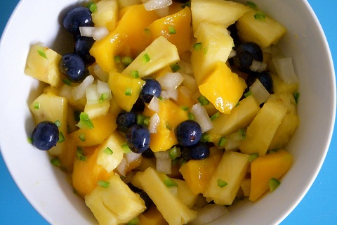 Spicy Mango Pineapple Salad