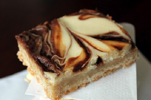 Nutella Caramel Swirl Cheesecake Bars