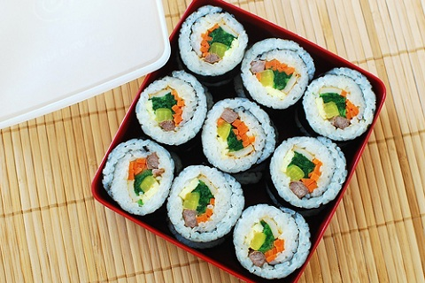 Gimbap (Korean Dried Seaweed Rice Rolls)
