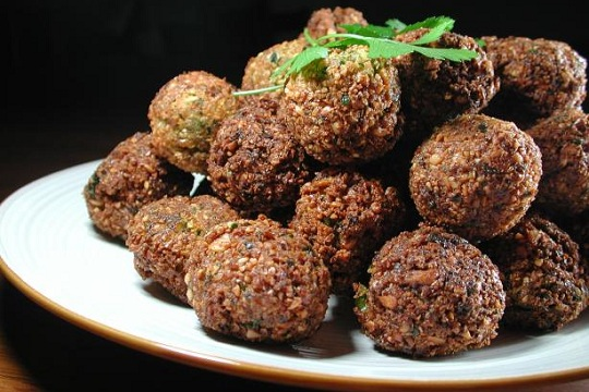 Falafel with Turmeric and Garlic