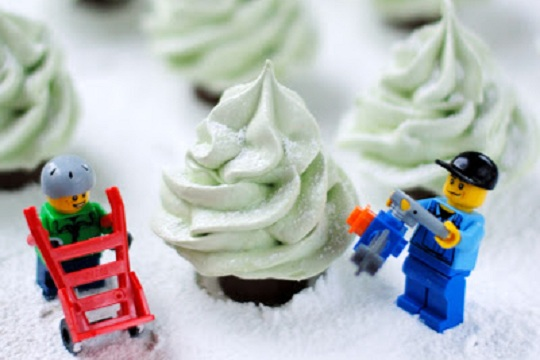Winter Wonderland Meringue Christmas Trees