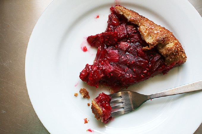 Rhubarb and Raspberry Crostata from Lottie + Doof