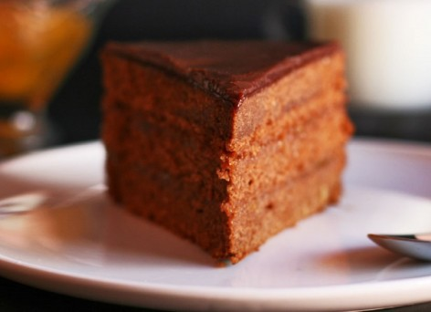 sacher-cake-header-cinnamon-girl